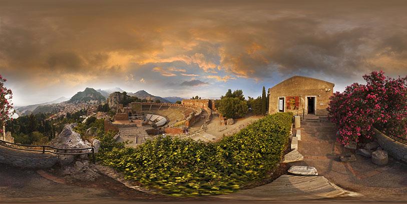Taormina. Pinche sobre la imagen para desplegar la panor�mica en 360 grados.
