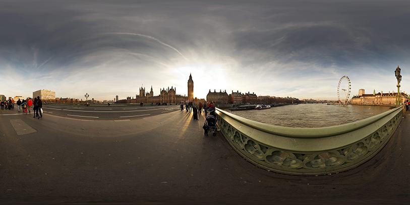Pinche en el puente de Westminster. Le aguarda un viaje espectacular por Londres a trav�s de la pantalla.
