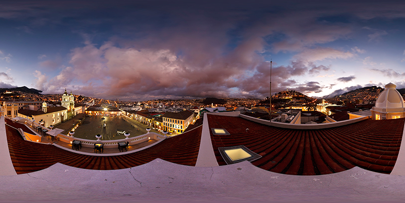 El centro histórico de Quito. Pinche sobre la imagen para acceder a ésta y otras panorámicas de la ciudad en 360 grados.