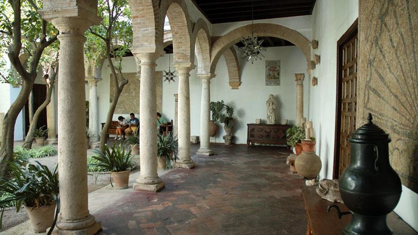 Los patios de viana en c rdoba espana ocholeguas - Imagenes de patios andaluces ...