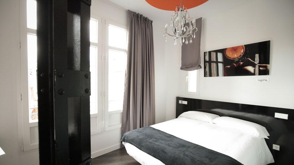 Vitium Urban Suites, el nuevo hostal boutique inaugurado en Madrid. Vea más fotos <a href=http://www.ocholeguas.com/albumes/2013/11/18/urban_suites/index.html target=_blank><strong><mark>aquí</mark></strong></a>