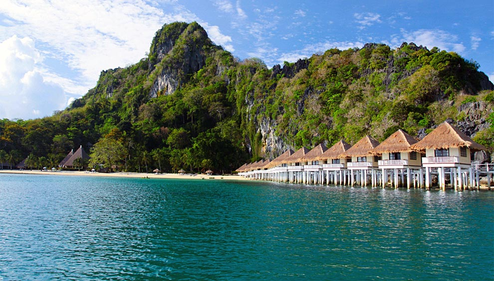 Dormir sobre el agua en filipinas hoteles ocholeguas for Hoteles con habitaciones en el agua