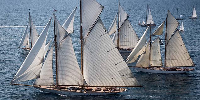 La competici�n a su paso por las aguas de Menorca.