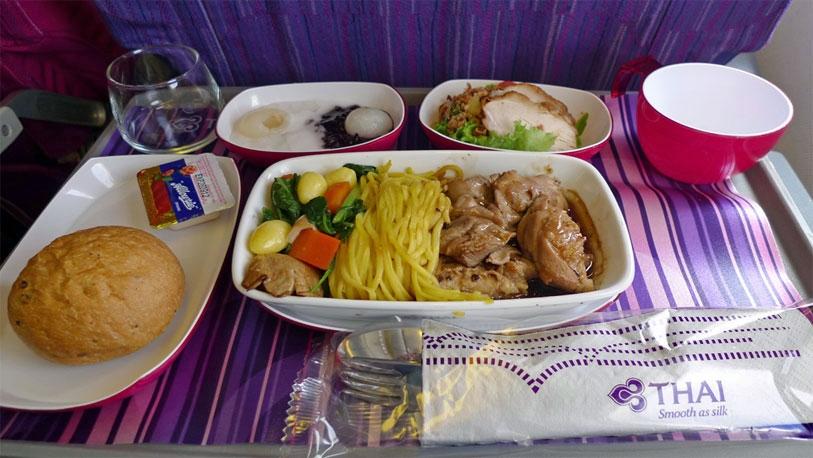 La comida en los aviones sigue siendo la asignatura pendiente de las aerolíneas.