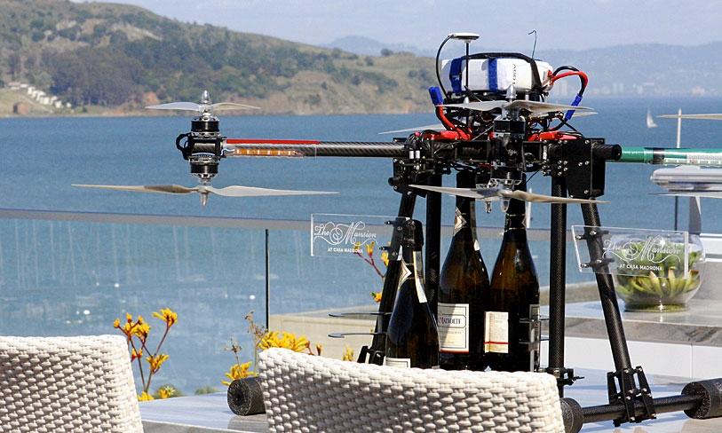 Los huéspedes del californiano Casa Madrona pueden solicitar este servicio de habitaciones aéreo.