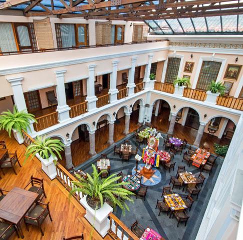 El hotel de las conspiraciones hoteles ocholeguas - Patios interiores andaluces ...