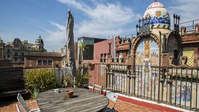Vista del Palacio de la Música catalana desde una de las terrazas de Upstairs BCN.