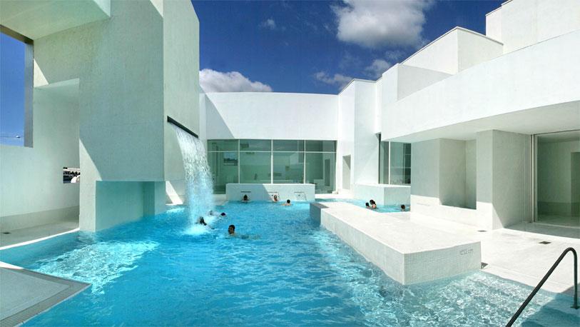 diez piscinasemblem ticas otrosmundos ocholeguas. Black Bedroom Furniture Sets. Home Design Ideas