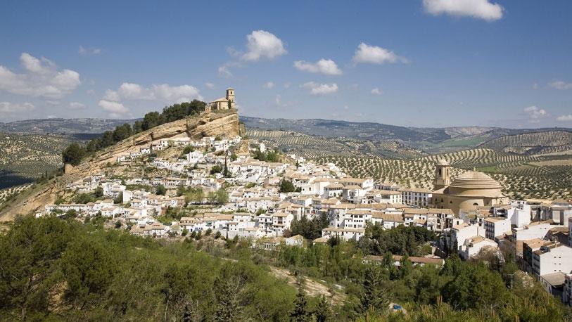 Esta localidad granadina ocupa la portada de muchas guías turísticas de España.