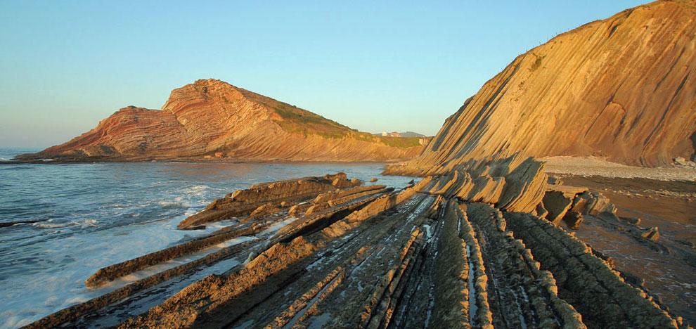 Estos 13 kilómetros de litoral forman parte del primer Geoparque de la Costa Vasca.