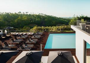 La piscina principal del nuevo hotel en el 'jard�n del Algarve'.