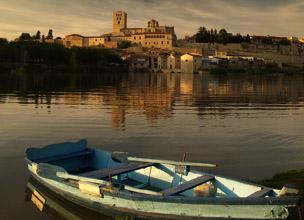 Vista de Zamora desde el otro lado del Duero. Foto: Shutterstock.
