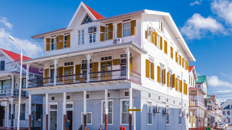 Por Paramaribo, la capital de Surinam, han pasado británicos, holandeses, portugueses... Foto: Anton Ivanov, Shutterstock.