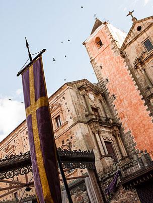 Uno de los decorados que se han instalado en la plaza de San Jorge.