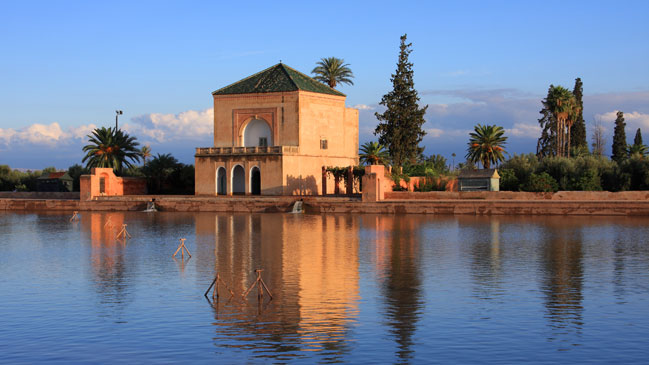 El estanque de La Menara, uno de los jardines más antiguos de Marruecos. Foto: Shutterstock