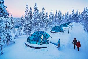 Habitación del Snow Hotel en el castillo de hielo de Kemi en Finlandia.