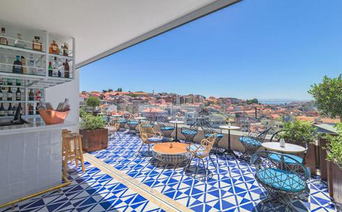 La terraza del hotel H10 Duque de Loulé en Lisboa.
