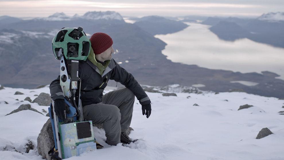 El actor danés Nikolaj Coster-Waldau en la isla ártica.
