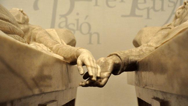 Detalle del mausoleo de los amantes en la iglesia de San Pedro de Teruel.